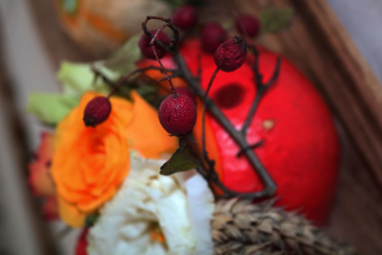 Tischdekoration einer Feier im Herbst